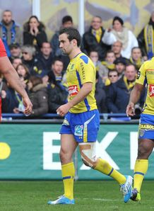 Clermont s French scrum half Morgan Parra 2nd L reacts after receiving a red card