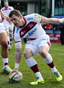 Mark Cueto dotting down for Sale Sharks