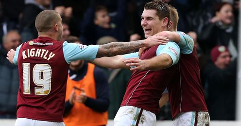 Burnley cruise past Forest
