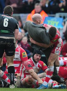 freddie burns pitch invader gloucester
