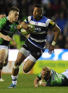 Anthony Watson of Bath breaks from James O Conner London Irish