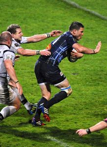 Castres winger Remy Grosso C runs v Brive