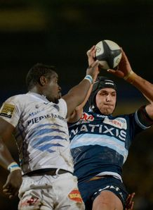 Racing Metro second row Juandre Kruger at a lineout