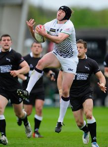 Stevie McColl in action for Leeds Carnegie