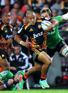 Tim Nanai Williams breaks Chiefs v Highlanders Super rugby 2014