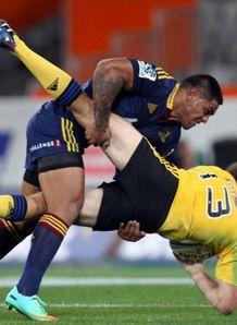 malaki fekitoa smashes conrad smith highlanders v hurricanes 2014