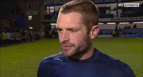 Southend win to close gap on Oxford