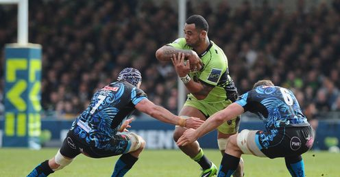 Samu Manoa of Northampton runs into Ben White 7 and Dave Ewers of Exeter
