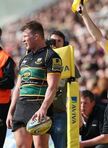 Dylan Hartley waiting for a line out for Northampton Saints