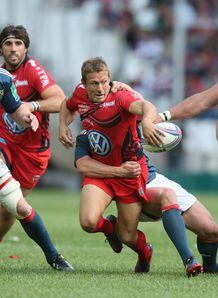 Jonny Wilkinson offloading in Toulon versus Munster Heineken Cup semi final
