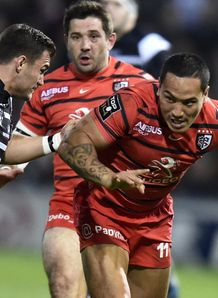 Toulouse wing Hosea Gear in game against Brive
