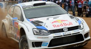 Fourth Algarve win for Ogier