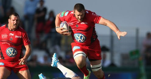 Toulon's Danie Roussow on the charge