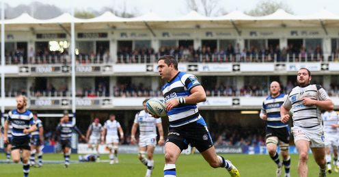 Horacio Agulla of Bath scores his third try