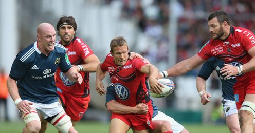 Jonny Wilkinson offloading in Toulon versus Munster Heineken Cup semi final