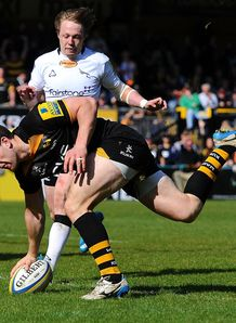Charlie Hayter of London Wasps scores a try v Newcastle Falcons