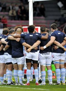 Racing Metro huddle