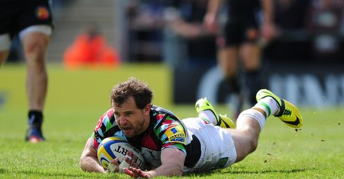 Nick Evans of Harlequins goes over for his side s second try