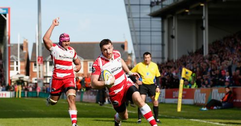 Shane Monahan of Gloucester scores the winning try