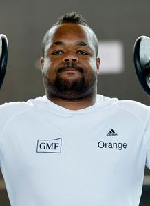 France centre Mathieu Bastareaud in the gym