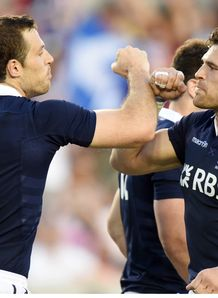 Scotland s Tim Visser left celebrates his try with team mate Sean Lamont 2014