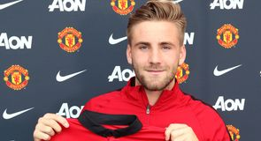 United sign Shaw