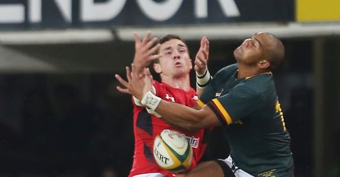 GEORGE NORTH OF WALES AND CORNAL HENDRICKS SOUTH AFRICA JUMP FOR THE BALL