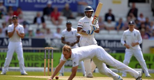 Kumar Sangakkara built an important partnership with Mahela Jayawardene
