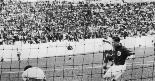 American goalkeeper Frank Borghi saves in front of Tom Finney during the England vUSA match on June 29, 1950 in Belo Horizonte, Brazil