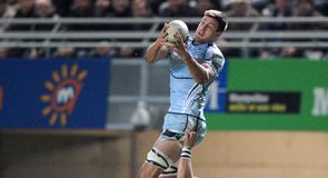 Exiles sign second row Down