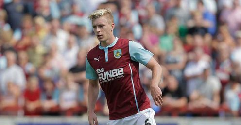 Mee earns new Burnley deal