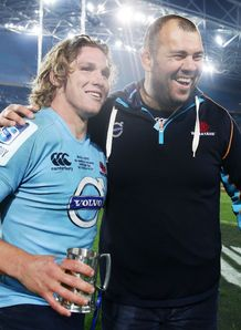Michael Hooper L of the Waratahs and coach Michael Cheika