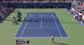 US Open Day 3 - Sharapova v Dulgheru