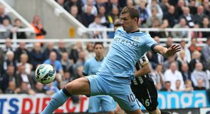 Dzeko shines for City