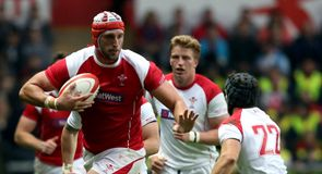 Injury blow hits Charteris