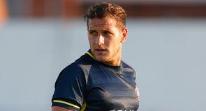 Sharp leaves Saints for Leeds