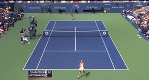Sharapova v Wozniacki - Highlights