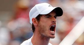 Murray hits magnificent winner