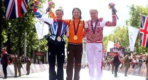Armitstead hits back at UCI