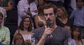 Murray wins Valencia title