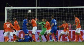 Sigurdsson's strikes light up Europe