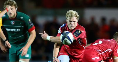 Scarlets put away limp Leicester