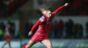 Scarlets edge out Glasgow