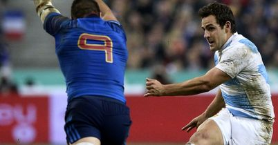 Argentina hang on to down France