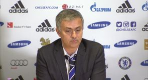 Mourinho apologises to referee