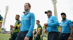 Tri Series Final - Australia v England