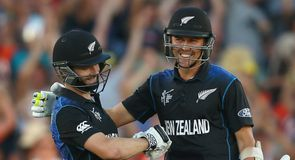 Williamson hits six to win