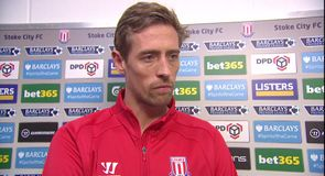 Crouch wins it for Stoke