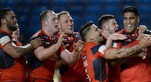 Salford thrash Widnes