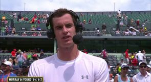 Andy Murray sails through to Round 3